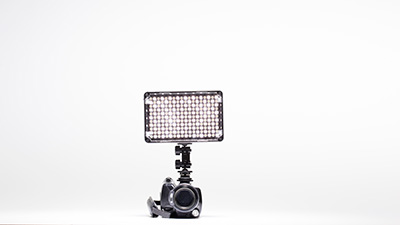 on-camera-light-grote-lamp-kleine-camera